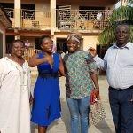 Schulleitung Sanbel School mit Wasila